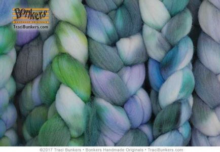 TraciBunkers.com - Hand-dyed Merino Spinning Fiber in Monet's Water Lilies